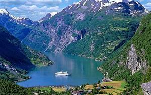 Norwegian fjords ecotourism